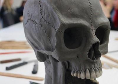 Totenkopf fast fertig modelliert, rechte Seite