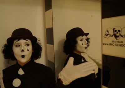 Pierrot, Clownschminke und Perücke