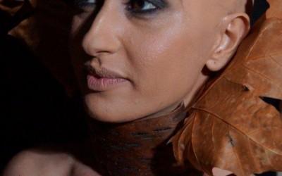Künstliche Glatze mit einem korrektiven Beauty Make Up