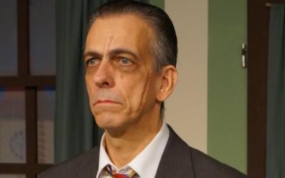 """Jonathan Bruster, Bösewicht bei dem Theaterstück """"Arsen und Spitzenhäubchen"""""""